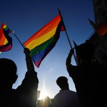 ES įspėja Vengriją ištaisyti padėtį dėl prieš LGBTQ nukreipto įstatymo