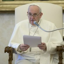 """""""Šviesos žemėlapio"""" akcija tęsiasi su popiežiumi Pranciškumi"""