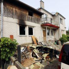 Tragiškas gaisras Šilainiuose: žmona išsigelbėjo, vyras – ne