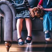 Po įspėjimo tėvams paliekant vaikus su seneliais – atsiprašymas