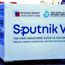"""ES diplomatijos vadovas tikisi, kad Bendrija patvirtins vakciną """"Sputnik V"""""""