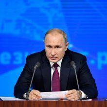 V. Putinas: Vakarai mėgina sulaikyti galingą Rusiją