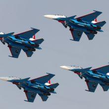 Rusija Baltijos jūroje surengė laivyno aviacijos pratybas