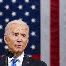 Sakydamas kalbą Kongresui J. Bidenas gyrė vėl judančią Ameriką