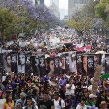 Tarptautinės moters dienos demonstracijas temdė smurtas ir baimė dėl viruso