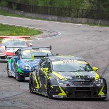 Automobilių lenktynių mėgėjams – įspūdinga sezono pradžia