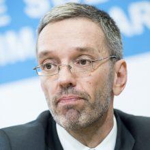 Atsistatydina visi Austrijos kraštutinių dešiniųjų ministrai