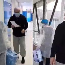 Pasveikę vyresnio amžiaus pacientai iš Ukmergės ligoninės išlydėti plojimais