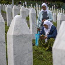 ES ragina nepamiršti Srebrenicos tragedijos