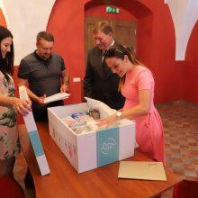 Kūdikio kraitelis skinasi kelią visoje Lietuvoje