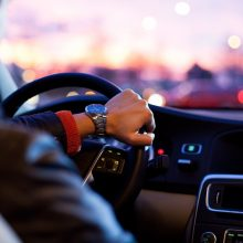 Išmanieji telefonai – vairuotojų pagalbininkai