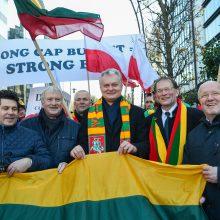 Briuselyje protestuojantys žemdirbiai prašo G. Nausėdos pagalbos