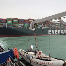 Egipto Sueco kanale įstrigus laivui kilo grėsmė pasaulinei laivininkystei
