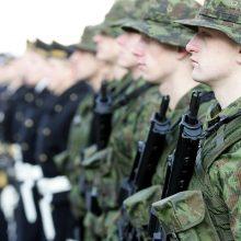 Seimas planuoja sutrumpinti karo prievolininkų amžių iki 23 metų