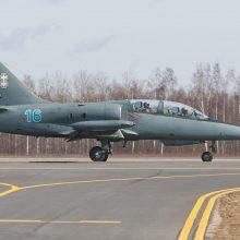 NATO naikintuvams teko lydėti vieną Rusijos karinį lėktuvą