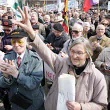 """""""Darbiečiai"""" siūlo Seimui vienišų pensininkų paramos modelį"""