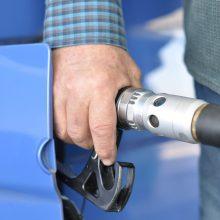 Pasvalio rajone iš vilkiko pavogta 400 litrų degalų