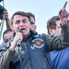 Brazilijos prezidentui skirta bauda už kaukės nedėvėjimą per mitingą