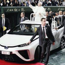 """Vatikano garaže – šiuolaikinė """"Toyota"""""""
