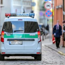 Policija gavo 183 pranešimus dėl karantino pažeidimų, 69 žmonės nubausti
