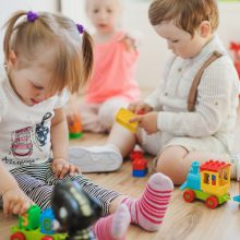 Kauno vaikų darželiuose – aliarmas dėl vištienos