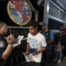 JAV rinks visų nelegalių migrantų DNR pavyzdžius