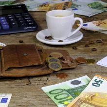 Lietuviai skolinasi didesniems pirkiniams, latviai ir estai – neplanuotoms išlaidoms