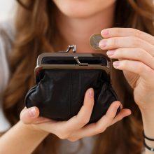 Į santaupas kėsinasi infliacija: kaip įdarbinti savo pinigus?