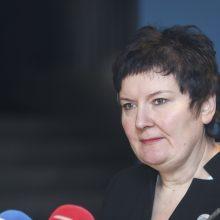 Korupcija įtariama viceministrė prašo būti atleidžiama