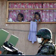 Filipinų prezidento grasinimas: bus suimami tie, kurie nedėvi apsauginių kaukių