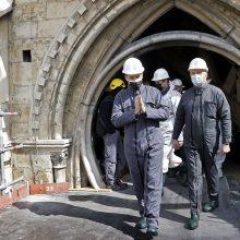 E. Macronas: Paryžiaus Dievo Motinos katedra bus atstatyta iki 2024-ųjų
