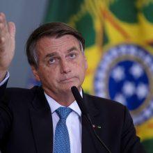 Brazilijos prezidentui nusibodo klausimai apie COVID-19 mirtis