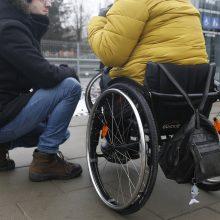 Darbuotojų apklausa: kas antras nesutiktų pavaduoti neįgalumą turinčio kolegos