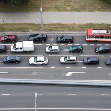 Mažiau taršių automobilių įsigijimui siūlo 1000 eurų kompensaciją