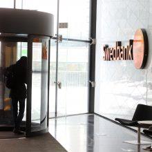 """""""Swedbank"""" nebeteiks grynųjų pinigų užsienio valiuta paslaugų"""
