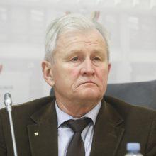 K. Glaveckas apie siūlymą mažinti išlaidas gynybai: negali nušauti kelių zuikių