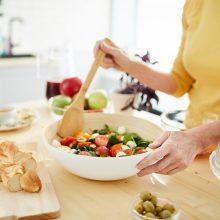 Salotos vis dažniau tampa pagrindiniu patiekalu