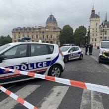 Dėl kruvinos atakos Paryžiaus policijos būstinėje sulaikyti penki asmenys