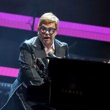 Prancūzijos prezidentas įteiks Eltonui Johnui ordiną