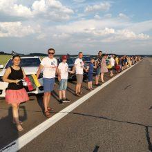Baltijos keliui neabejingi ir automobilininkai, ir motociklininkai