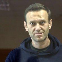 Pagal naują taktiką A. Navalno šalininkai protestuos kiemuose