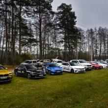 Kokie automobiliai stabdo geriausiai?
