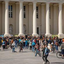 Švelninant koronaviruso apribojimus, Lietuvos gatvėse ir aikštėse – padėkos koncertai