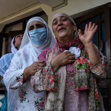Indijoje per 100 žmonių užsikrėtė COVID-19, sudalyvavę vyro vestuvėse ir laidotuvėse