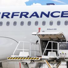 """""""Air France"""" atleis 7 580 darbuotojų"""