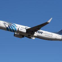 """Į Maskvą skridęs """"EgyptAir"""" lėktuvas aptikus žinutę su grasinimu sugrįžo į Kairą"""