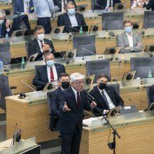 Seimas ėmėsi prezidento siūlymo kelti kartelę viduriniam išsilavinimui