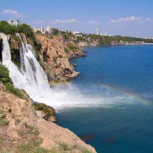 Prie Turkijos krantų įvykęs apystipris žemės drebėjimas supurtė Antalijos kurortą
