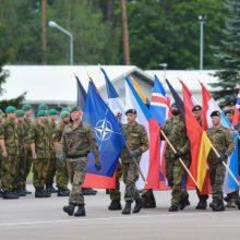 NATO pajėgų kovinėje grupėje – vadų pasikeitimo ceremonija