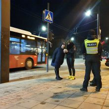 Lenktynininkai ir policijos pareigūnai susivienijo vardan pėsčiųjų saugumo keliuose